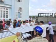 Tôn Hoa Sen trao tặng 6.100m tôn cho các gia đình khó khăn vùng bão