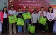 Lotte Mart trao 1.300 phần quà cho người nghèo đón Tết