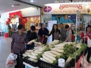 LOTTE Mart tham gia giải cứu củ cải cho nông dân