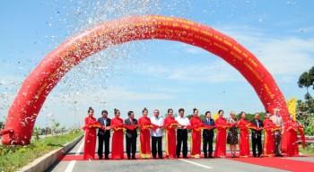 Cầu Cao Lãnh nối qua sông Tiền chính thức thông xe