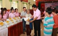 hang nghin nguoi tham gia hanh trinh thay thuoc tre lam theo loi bac