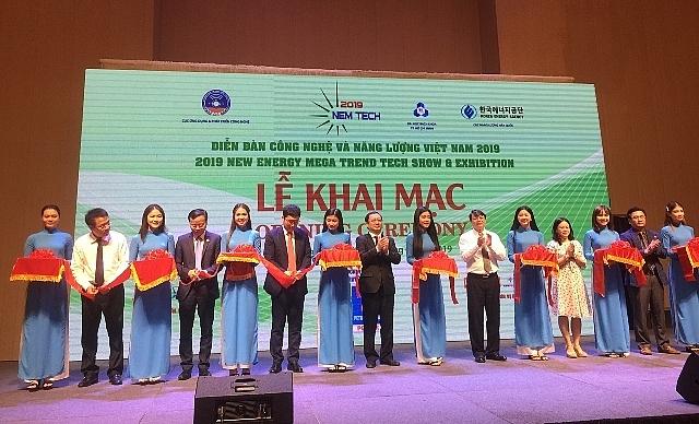 ha ng nghi n nguo i tham gia dien dan cong nghe va nang luong viet nam 2019