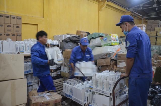 TP. Hồ Chí Minh hàng nhập lậu tràn ngập thị trường chủ yếu đến từ Trung Quốc