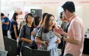 Hàng trăm sinh viên có việc làm ngay tại Ngày hội việc làm 2016