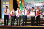 Nam Đàn đón Bằng công nhận huyện đạt chuẩn nông thôn mới