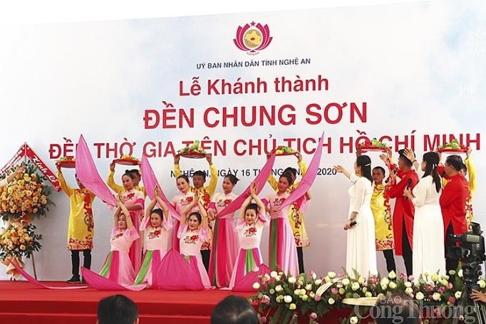 nghe an thu tuong nguyen xuan phuc du le khanh thanh den chung son den tho gia tien chu tich ho chi minh
