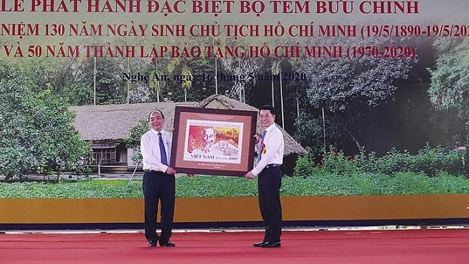nghe an phat hanh bo tem ky niem 130 nam ngay sinh chu tich ho chi minh