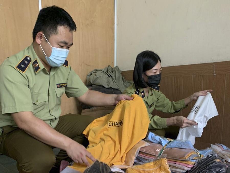 QLTT Nghệ An: Xử phạt nhiều vụ giả mạo nhãn hiệu đã được bảo hộ ở Việt Nam