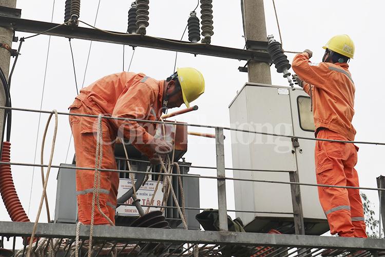 Nghệ An: Nắng nóng lượng điện tiêu thụ tăng kỷ lục