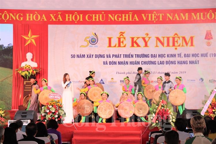 truong dai hoc kinh te hue ky niem 50 nam thanh lap va don nhan huan chuong lao dong hang nhat