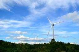 Quảng Bình kêu gọi đầu tư phát triển điện gió, điện mặt trời