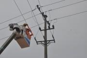 PC Quảng Bình triển khai công tác sửa chữa điện nóng lưới điện 22KV