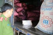 Thừa Thiên Huế: Bắt giữ 1.200 bao thuốc lá Jet, 3 tấn đường lậu