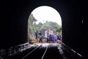 Tuyến đường sắt qua đèo Hải Vân đã thông tuyến