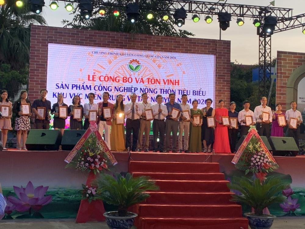 gop phan de san pham thuong hieu viet lan toa manh