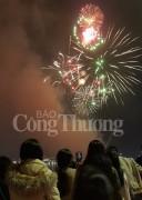 Đà Nẵng chào 2018 bằng màn pháo hoa rực sáng sông Hàn