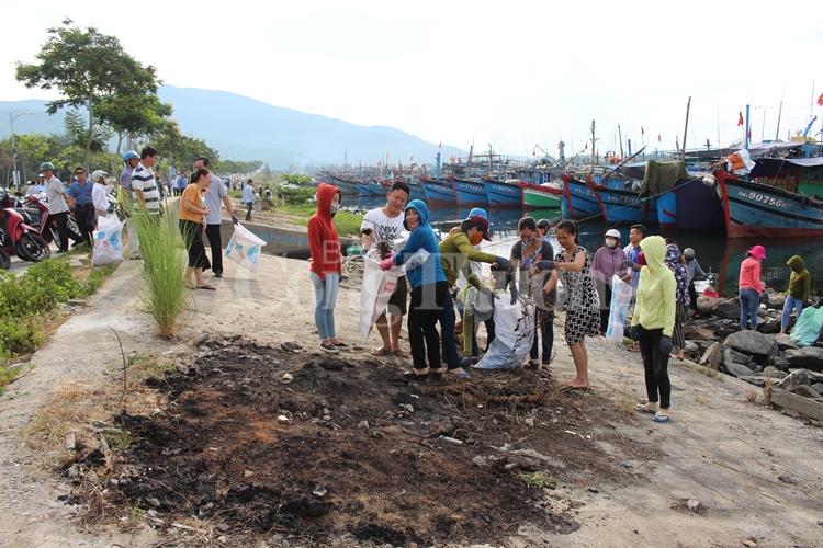 Đà Nẵng: Hơn 2.000 người ra qua hưởng ứng Tuần lễ Biển và Hải đảo Việt Nam 2018