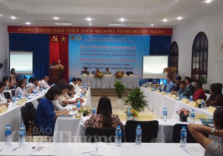 Tìm giải pháp phát triển du lịch bền vững ở miền Trung Việt Nam và ASEAN