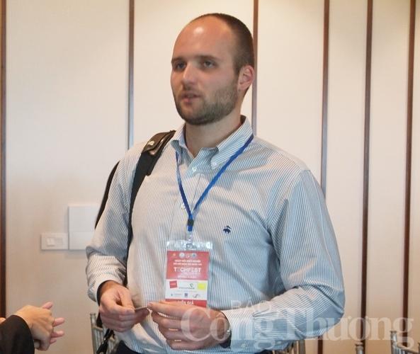 startup fintech hop tac sau ket noi rong