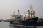 Phúc thẩm vụ kiện tàu vỏ thép bị hỏng khi hạ thủy-  Công ty bán máy phải bồi thường máy hư hỏng