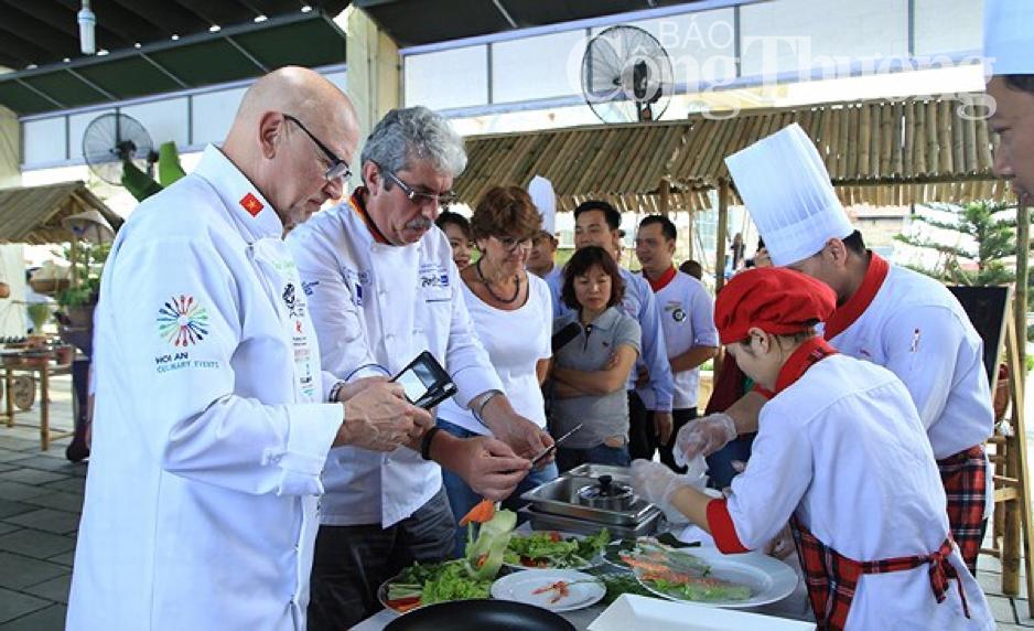 12 đầu bếp lừng danh so tài tại Thủ phủ ẩm thực Hội An