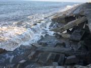 Quảng Nam: Hàng chục mét kè cứng Cửa Đại bị sóng biển 'nuốt chửng'