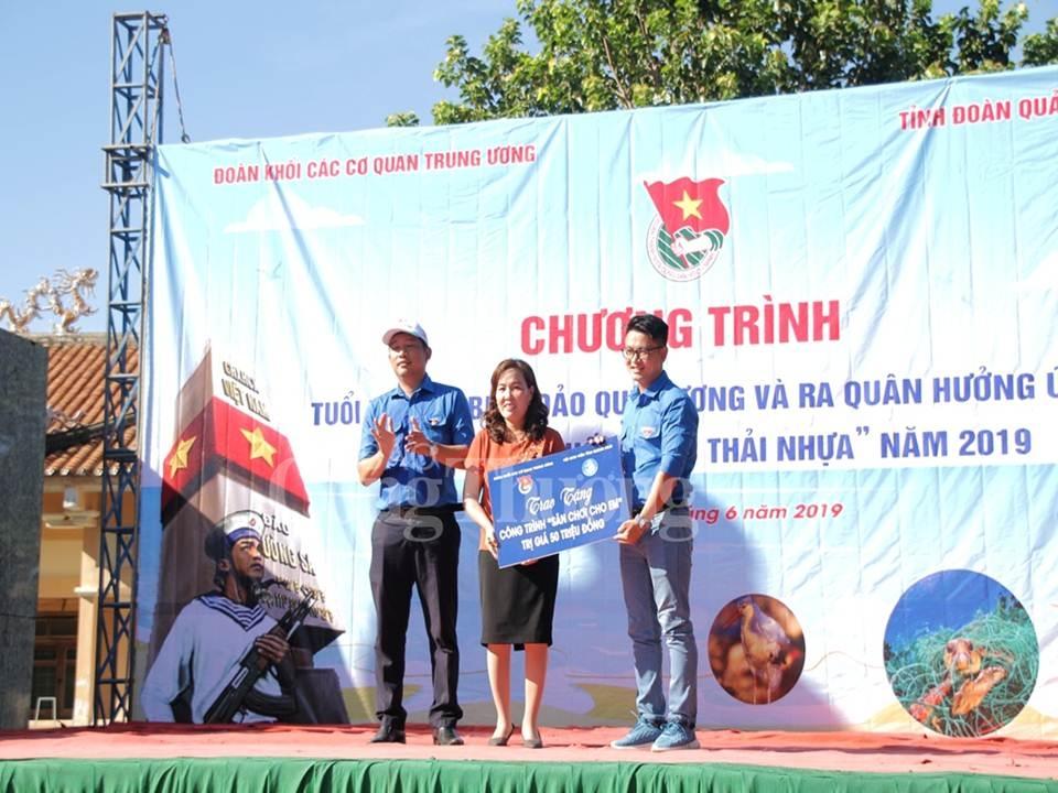 nhieu hoat dong y nghia trong chuong trinh tuoi tre khoi cac co quan trung uong vi bien dao que huong nam 2019