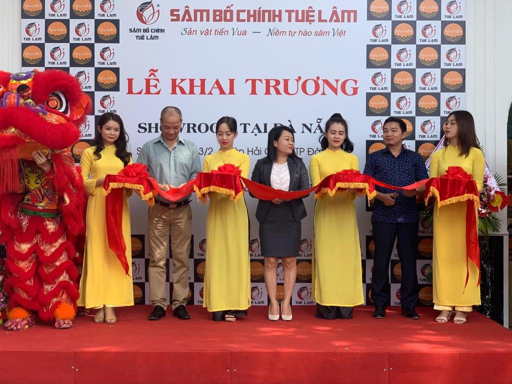 mo showroom bay ban san pham sam bo chinh tue lam tai da nang