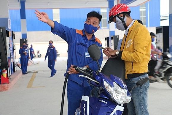 petrolimex can tho khai truong cua hang xang dau so 15