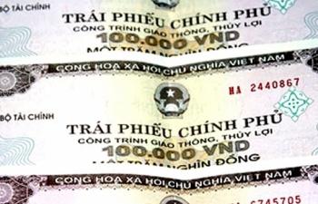 thang 8 huy dong 17340 ty dong trai phieu chinh phu thong qua dau thau