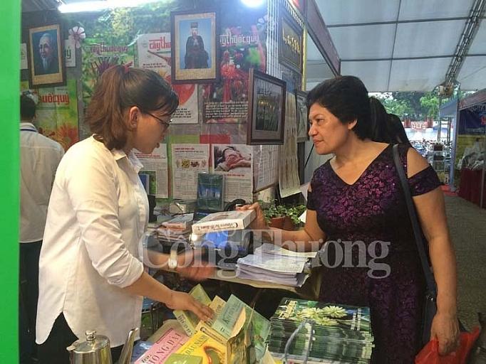 khai mac hoi cho duoc lieu lan thu nhat nam 2019