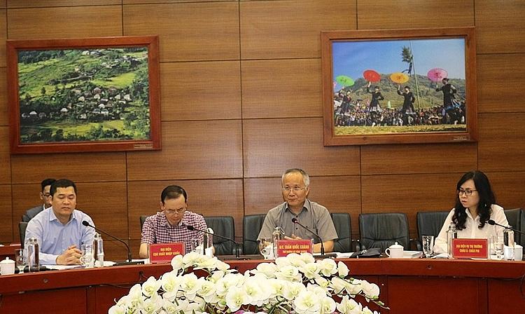 Đoàn công tác của Bộ Công Thương do Thứ trưởng Trần Quốc Khánh làm trưởng đoàn đã làm việc với UBND tỉnh Lào Cai về tình hình thương mại biên giới, xuất khẩu nông thủy sản, thực phẩm Việt Nam sang thị trường Trung Quốc.