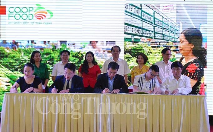 ha noi doanh nghiep tren dia ban thu do chung tay hanh dong chong rac thai nhua