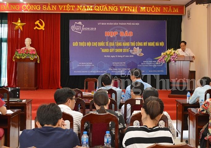 sap dien ra hoi cho hanoi gift show 2019