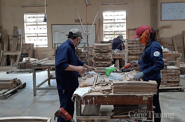 Xưởng sản xuất của Công ty CP chế biến gỗ nội thất Pisico (Bình Định)