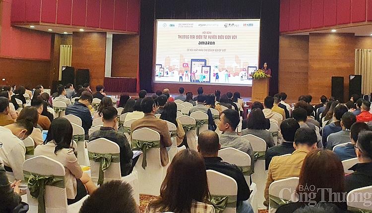 Gần 300 doanh nghiệp đã kết nối và đang có nhu cầu kết nối, xuất khẩu hàng hóa vào kênh bán lẻ trực tuyến của Amazon tham gia hội thảo