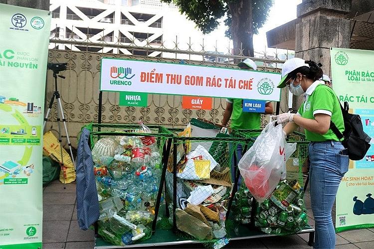 Một điểm thu gom rác tái chế tại TP. Hà Nội
