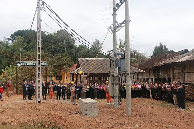 """Công ty Điện lực Sơn La: Xóa các """"vùng trắng"""" điện lưới quốc gia"""