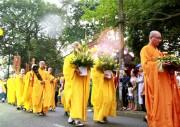 Mùa Phật đản - Ấm nồng phật sự tại Thừa Thiên Huế