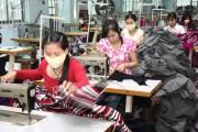 Đầu tư phát triển công nghiệp phụ trợ ngành dệt may: Càng chậm càng thua thiệt