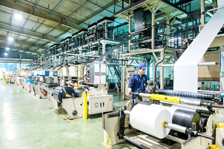 Thiếu nguồn cung nguyên liệu là một trong những rào cản kìm hãm sự phát triển của ngành nhựa