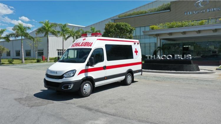THACO trao tặng TPHCM 30 xe cứu thương và vật dụng y tế trị giá hơn 131 tỷ đồng