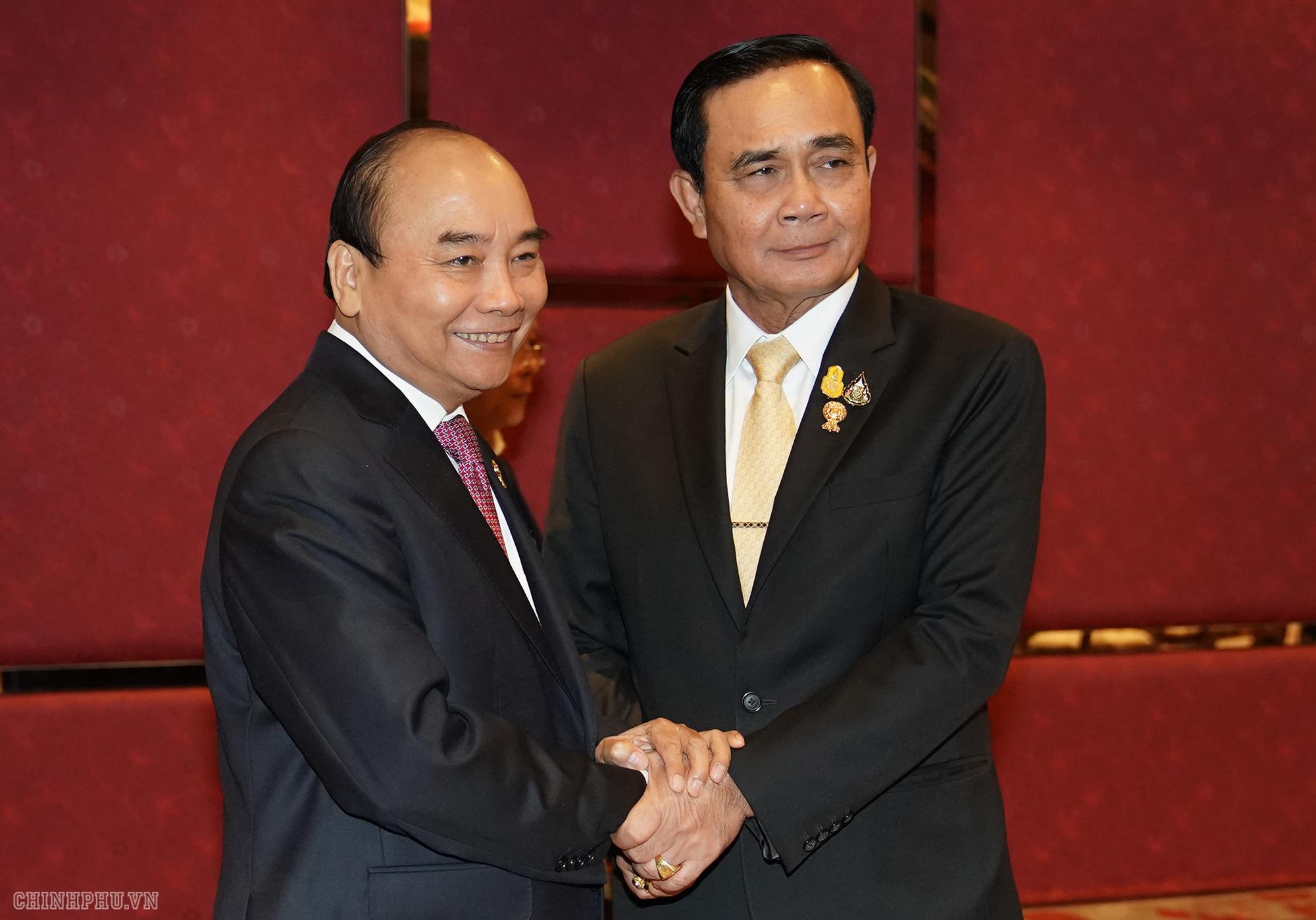 thu tuong nguyen xuan phuc gap thu tuong thai lan