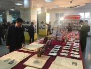 Trưng bày sách, báo kỷ niệm 45 năm chiến thắng Hà Nội - Điện Biên Phủ