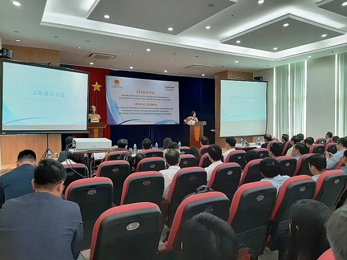 nam 2019 viet nam se co them 100 chuyen gia tu van ve cong nghiep ho tro