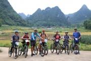 Đạp xe du lịch vành đai biên giới hỗ trợ cộng đồng tại Cao Bằng