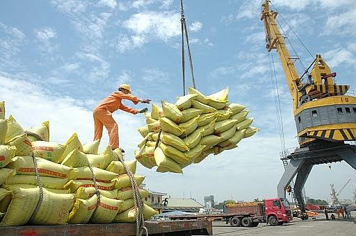 Xuất khẩu gạo tăng mạnh cả về lượng và giá trị
