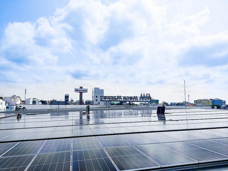 """Sắp hoàn thành dự án hệ thống năng lượng mặt trời mái nhà giai đoạn 1: MM duy trì vị thế """"Nhà bán lẻ xanh"""""""
