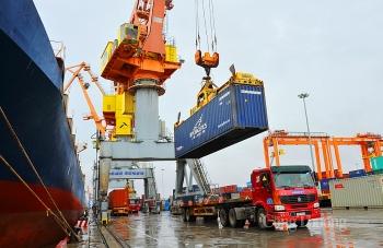 Hoạt động xuất nhập khẩu hàng hóa phục hồi mạnh mẽ