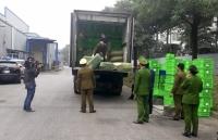 2 xe container hang thuc pham dong lanh bi bat tai bai do xe sieu thi mm mega market len tieng